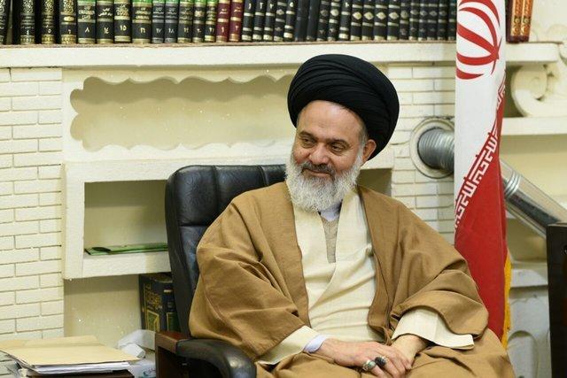 حسینی بوشهری: مراجع نگران وضعیت قم هستند/برخورد با مشکلات فرهنگی صرفاً قهرآمیز نباشد
