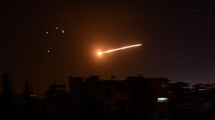 مقابله پدافند هوایی ارتش سوریه با تجاوزات رژیم صهیونیستی به حماه