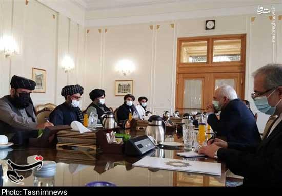تصاویری از دیدار هیات طالبان با ظریف