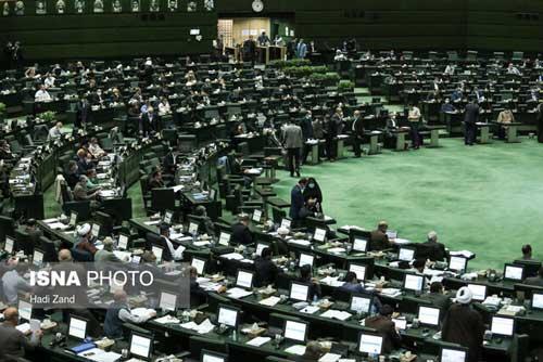 ابتلای نمایندگان به کرونا، مجلس را تعطیل کرد
