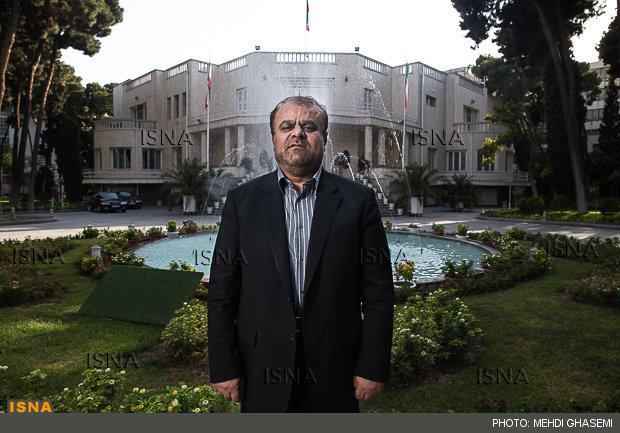 رستم قاسمی: ایران و دنیا را خوب می شناسم/به نفع کسی کنار نمی روم