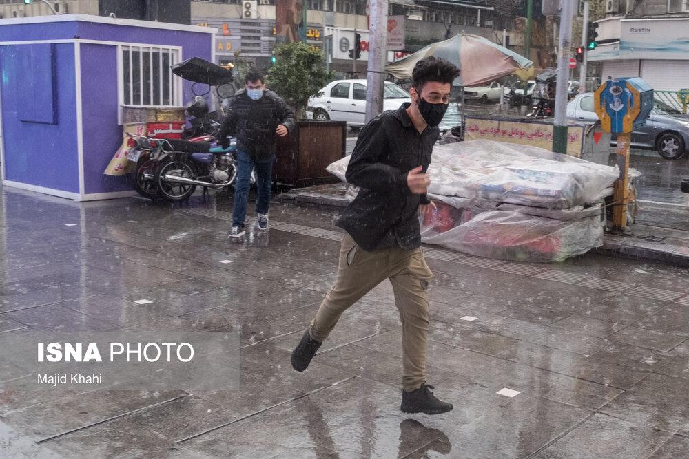 وزش باد شدید و رگبار باران در ۱۲ استان طی امروز