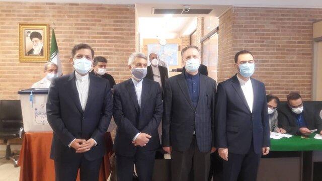 بازدید اعضای شورای معاونین وزارت خارجه از ستاد انتخابات خارج از کشور