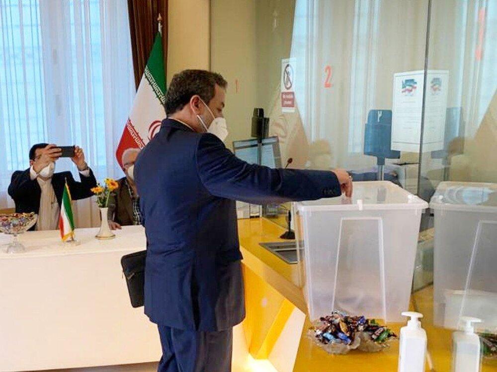 عراقچی: حضور پررنگ در انتخابات پشتوانه محکمی برای یک سیاست خارجی مقتدر، عزتمند و تعاملگرا است