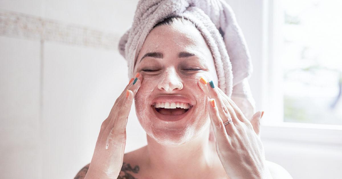 مراقبت از پوست قبل و بعد از اصلاح صورت خانمها