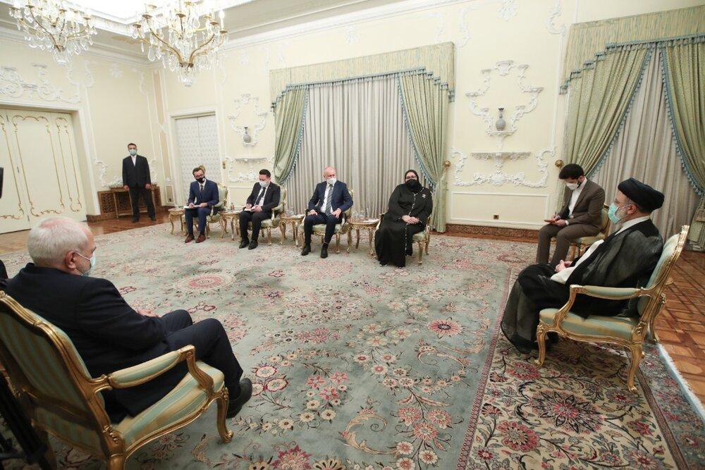 سیاست اصولی ایران، دفاع از مظلومان جهان است