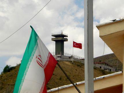 باز شدن مرزها برای تردد زمینی به ترکیه تکذیب شد