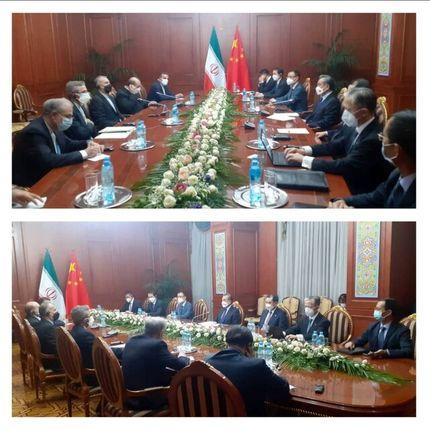 تاکید وزیران خارجه ایران و چین بر پیشبرد روابط بر اساس موافقتنامه همکاریهای ۲۵ ساله