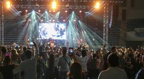 درباره بلوای رسانهایِ کنسرت ابی در ترکیه