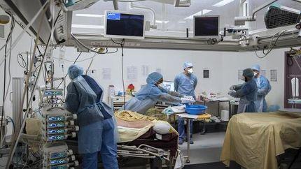 ۳ هزار کادر درمان فرانسه بهدلیل امتناع از دریافت واکسن کرونا تعلیق شدند