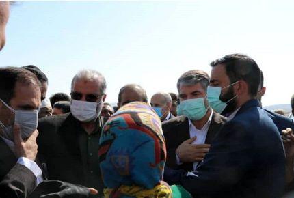 بازدید وزیر جهاد کشاورزی از یک مجتمع گلخانهای و دامداری در زرین دشت