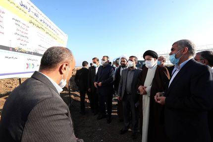 تاکید رئیس جمهور بر تسریع در تکمیل پروژه باند دوم جاده پارس آباد – اردبیل