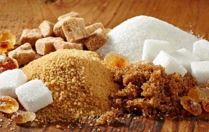 تفاوت شکر سفید و شکر قهواه ای.