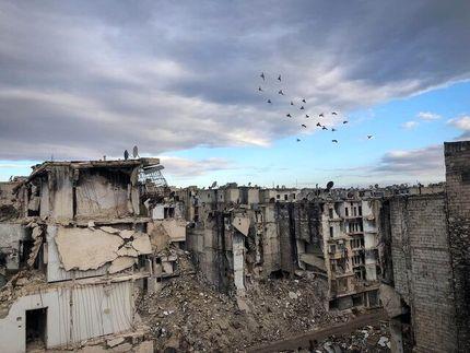 دمشق: جنگ ۱۹۵ میلیارد دلار به بخش نفت و برق خسارت وارد کرده است